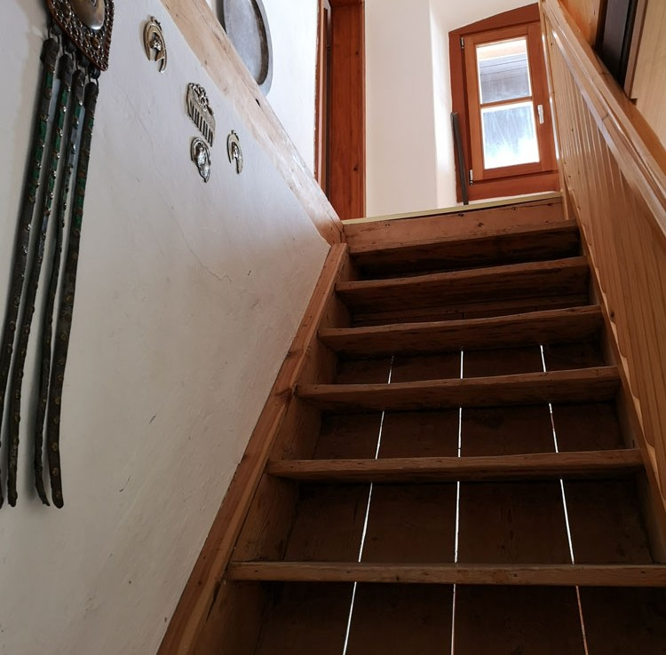 Stilvolles Wohnen im Gailtal - Treppenaufgang